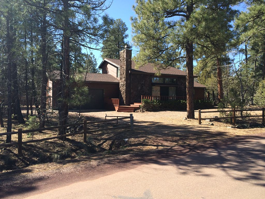 Spacious 4 Bedroom - Lakeside, AZ!
