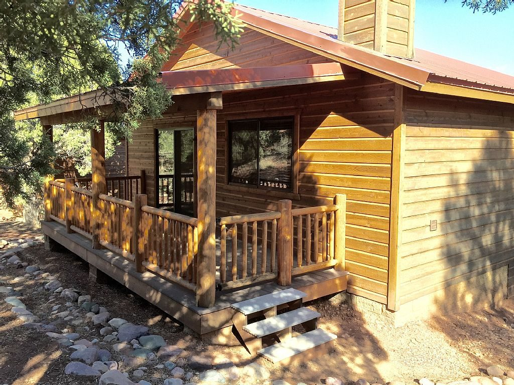 black bear lodge show low az white mountain cabin